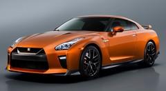 Nissan GT-R restylée : mamie fait de la résistance
