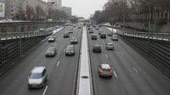Interdiction des voitures polluantes à Paris : Anne Hidalgo interpelle le gouvernement