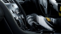 Aston Martin V12 Vantage S : Une boîte manuelle pour les puristes
