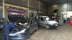 Garages solidaires: le phénomène (reportage vidéo)