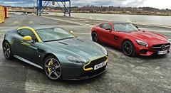 Essai Aston Martin Vantage V8 N430 vs Mercedes AMG GT : Deux époques