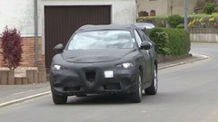 Le SUV à venir Alfa Romeo Stelvio rôde près du Nürburgring