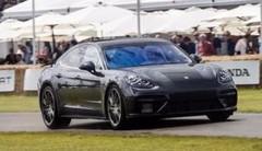 Patrick Dempsey sur la nouvelle Porsche Panamera 2016 au Festival de Goodwood
