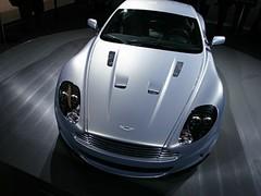 Aston Martin DBS : Rien que pour vos yeux…