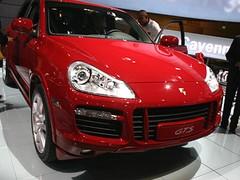 Porsche Cayenne GTS : Pour les pistes asphaltées