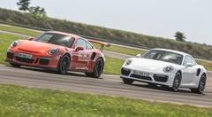 Essai 911 Turbo S vs 911 GT3 RS : quelle est la meilleure Porsche ?