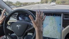 Tesla : l'Autopilot mis à jour et de plus en plus performant