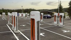 Nebbenes : la station de recharge de 2 mégawatts de Tesla
