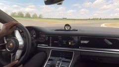 Porsche Panamera 4 E-Hybrid : un tour de circuit en caméra 360 degrés