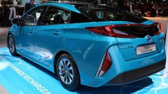 Toyota Prius Plug-in Hybrid : la Prius passe au câble