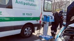 """Sursis pour les voitures """"sales"""" à Paris"""