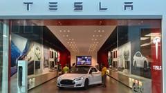 Tesla : un avenir incertain selon Bob Lutz et Louis Schweitzer