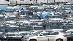 Ventes de voitures: le marché français en recul de 4% en octobre
