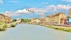 Restrictions pour les anciennes : Grenoble suit Paris