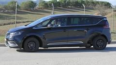 Une mystérieuse Renault à l'essai…