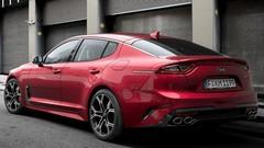 A Detroit, la berline-coupé Kia Stinger vise la Volkswagen Arteon