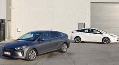 Essai Hyundai Ioniq vs Toyota Prius : L'hybridation, par essence !