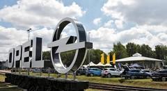 Les employés d'Opel entrouvrent la porte à PSA