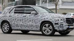 Futur Mercedes GLE : Le camouflage se réduit
