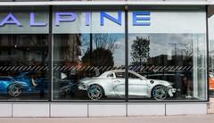 Visite du premier showroom d'Alpine à Boulogne-Billancourt