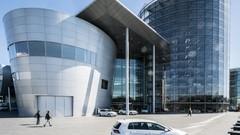 "Focus sur l'incroyable ""Usine de verre"" de Volkswagen"
