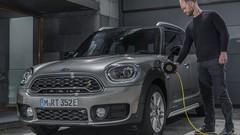 Avec une hybride rechargeable, Mini élargit sa gamme vers le haut