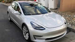 Premières photos de la Tesla Model 3
