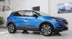 Opel Grandland X 2018 : Le Grandland X lève le voile en avant-première