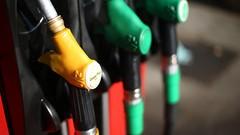 Plan climat : les taxes sur le gazole vont s'envoler, Hulot veut la fin des autos 100 % thermiques d'ici 2040