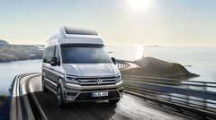 Volkswagen California Concept XXL : le Crafter passe en mode camping-car