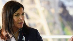 Paris : Anne Hidalgo ne veut plus de voitures à essence à partir de 2030