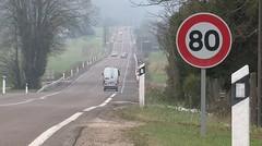 """Le Premier ministre se dit """"favorable"""" au passage à 80 km/h"""