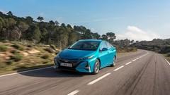 Essai Toyota Prius plug-in : L'hybride branché, par essence