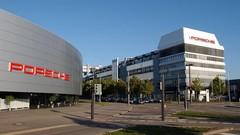 Bonus 2017 : 9656 € pour les employés Porsche, 9455 € pour ceux de BMW