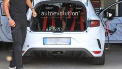 Renault : la Mégane RS radicale sans banquette arrière se montre