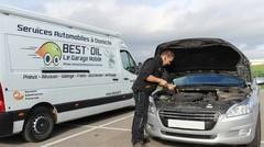 Entretien, lavage, plein de carburant: ils viennent s'occuper de votre voiture chez vous