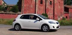 Contact : Toyota Auris HSD