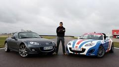 Essai de Soheil Ayari : Mazda MX5 vs Mazda MX5 Open Race