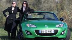 Les drôles de dames de Caradisiac testent la Mazda MX5 Black Edition
