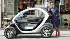 Electriques : la Renault Twizy arrive en concessions !