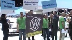 Greenpeace provoque Volkswagen au Salon de Genève