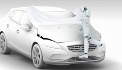 Volvo V40 : le premier airbag pour piétons