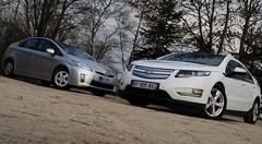 Essai Chevrolet Volt 1.4 151 ch vs Toyota Prius 1.8 136 ch : La guerre du pétrole