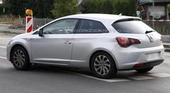 La future Seat Leon 3 portes se fait passer pour une Opel Astra !