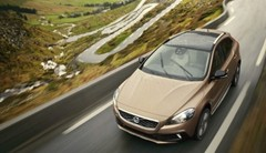 Volvo V40 Cross Country : le T4 de 180 ch disponible en version à quatre roues motrices AWD