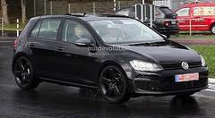 Volkswagen : plus de 300 chevaux pour la future Golf R ?