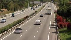 Sécurité routières : les boîtes noires à l'étude, le kit mains-libre en question