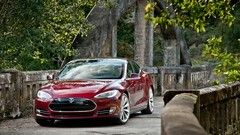 Tesla présente son système d'échange de batteries
