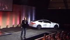 Tesla Motors présente son système d'échange de batteries