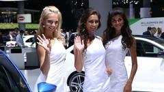 Salons de Francfort et de Genève : les plus jolies hôtesses de 2013